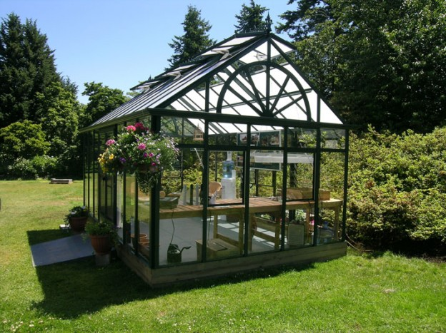 Glass or Polycarbonate Greenhouse