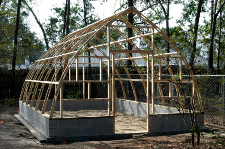 P Manis14 39 X 20 39 Gothic Arch Greenhouse Covered With