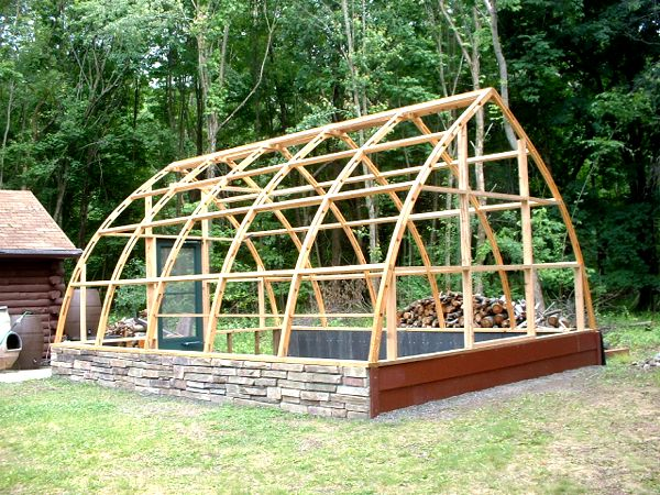 Gothic arch greenhouses review thomas luzzi for Gothic greenhouse plans
