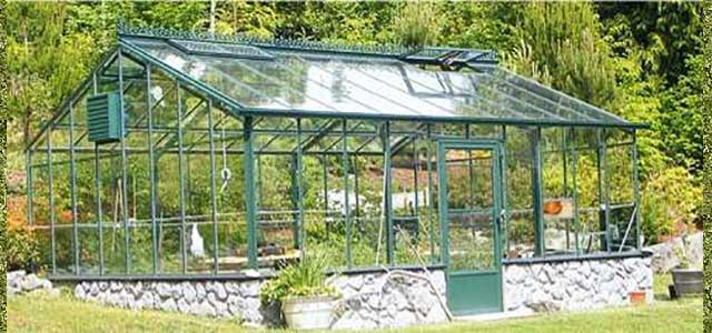 Traditional Glass Greenhouse - Green